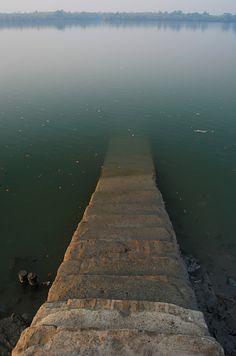 Ganges Ghat, India by easwarc / flickr