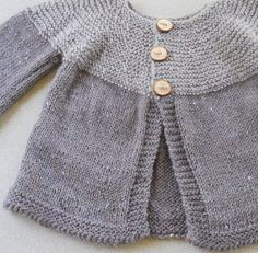 Like the two shades of gray. I want to knit everything in gray lately.