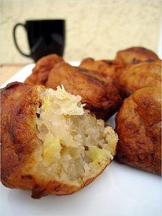 Banana Fritters... link for the recipe:    http://www.saltnturmeric.com/2008/08/banana-fritters-cekodok-pisang.html