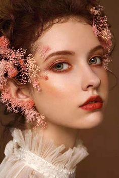 Foto Portrait, Female Portrait, Portrait Photography, Aesthetic Makeup, Aesthetic Girl, Makeup Art, Beauty Makeup, Kreative Portraits, Photographie Portrait Inspiration