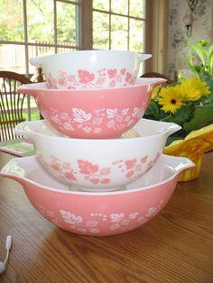 Vintage Pyrex. Pink gooseberry Cinderella bowls.