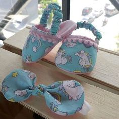1 million+ Stunning Free Images to Use Anywhere Baby Girl Shoes, My Baby Girl, Baby Bootees, Baby Shoes Pattern, Kids Winter Fashion, Sewing Projects For Kids, Bitty Baby, Doll Shoes, Handmade Baby