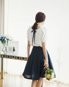 LOVE this blouse and shape/length of skirt!!
