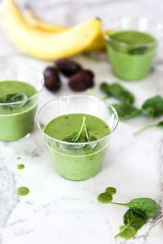My Favorite Green Smoothie | www.floatingkitchen.net Easy Delicious Recipes, Real Food Recipes, Great Recipes, Vegetarian Recipes, Favorite Recipes, Healthy Recipes, Easy Recipes, How To Make Smoothies, Healthy Green Smoothies