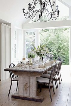 Haus Design: Light And Airy Decorating