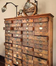 Addicted to crafts: szafka biblioteczna