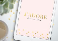 Free wallpaper for iPhone 5, iPhone 6, iPad mini and iPad. French J'adore, pink and gold.