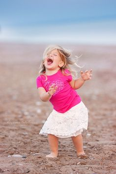 If she doesn't make you smile, nothing will. Precious Children, Beautiful Children, Beautiful People, Shall We Dance, Lets Dance, Cool Baby, Dance Like No One Is Watching, Happy Dance, Happy People