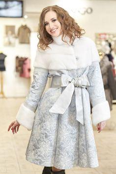 Серебристое пальто Tambour, Winter Wardrobe, Winter Coat, African Fashion, Stylish Outfits, High Waisted Skirt, Winter Fashion, Elegant, Prints