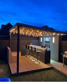 Outdoor Garden Bar, Diy Outdoor Bar, Backyard Bar, Backyard Seating, Backyard Patio Designs, Outdoor Kitchen Design, Backyard Landscaping, Outdoor Barbeque, Outdoor Bar Areas