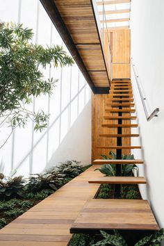 Stairs Architecture, Interior Architecture, Exterior Stairs, Modern Stairs, Staircase Design, Wood Staircase, Stairways, Villa, House Design