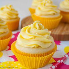 Mango Vanilla Cupcakes Tropical Mango Vanilla Cupcakes - Rich buttery vanilla cupcake with a hint of coconut and a fresh mango buttercream.Tropical Mango Vanilla Cupcakes - Rich buttery vanilla cupcake with a hint of coconut and a fresh mango buttercream. Cupcake Frosting, Cupcake Cakes, Buttercream Cupcakes, Cup Cakes, Cupcake Ideas, Good Cupcake Recipes, Cupcake Emoji, Cupcake Recipes From Scratch, Rose Cupcake