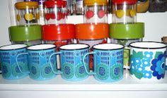 Re-DiZaIn: so many lovely Finel mugs!
