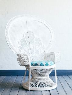 Lady Peacock Chair White