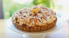 Banana Toffee Pie | Love Fed | Of the Kitten Kind | #lovefedtour #iamlovefed #lovefedbook