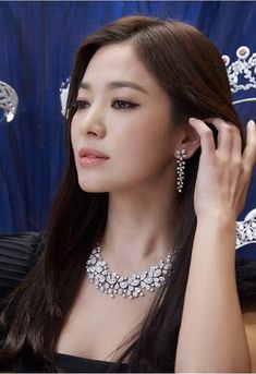 Korean Actresses, Actors & Actresses, Korean Actors, Korean Beauty, Asian Beauty, Beautiful Asian Girls, Beautiful People, Song Hye Kyo Style, Asian Makeup Looks