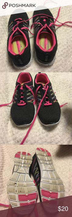 Sketchers lightweight memory foam tennis shoes Only worn once. Soft, comfortable, and light. Skechers Shoes Athletic Shoes