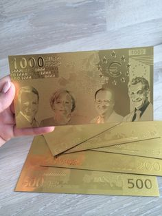 #золотыебанкноты, когда держишь их в руках замирает сердце от изящества и красоты золотых евро #монеты #нумизматика #подарок