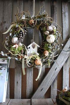 Frühlingsverliebt - Türkranz von Frijda im Garten - Aus einer Idee wurde Leidenschaft auf DaWanda.com