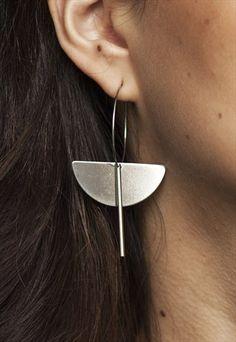 Graphic+silver+hoop+earrings