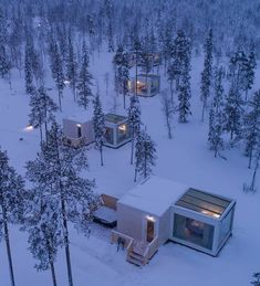 travel These incredible glass houses in Finland sit just below the Arctic Circle, making them the perfect viewpoint for the Northern Lights. Located in the Finnish Lapland, amongst ski resorts and snow villages, Northern Lights Ranch is one epic winter. Vacation Places, Dream Vacations, Places To Travel, Northern Lights Ranch, Northern Lights Finland, Glass Cabin, Sky View, Oh The Places You'll Go, Beautiful Places