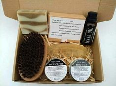 Gift Set Natural & Organic Beard Oil with Beard Comb