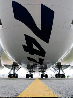This is the belly of the first Boeing - the Freighter was the lead version of the latest Jumbo Jet, a jet that borrows heavily from the 787 Dreamliner (& Boeing Aircraft, Passenger Aircraft, Commercial Plane, Commercial Aircraft, Jets Privés De Luxe, Jet Privé, Trains, Jumbo Jet, Jet Engine