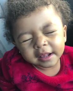 When babies can sing better than you ?When babies can sing better than you ? Funny Videos For Kids, Cute Baby Videos, Funny Short Videos, Kids Videos, Funny Baby Memes, Funny Video Memes, Stupid Funny Memes, Funny Relatable Memes, Baby Humor