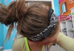 Messy hair buns <333