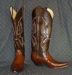 Look Smarter in Men's Boots – Men Shoes Site High Heel Cowboy Boots, Custom Cowboy Boots, Western Boots For Men, Cowboy Boots Women, Cowgirl Boots, Cowboy Hats, Cowboy Western, Men's Boots, Westerns