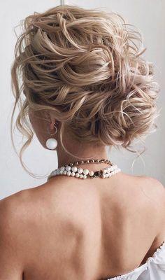 Messy Updo Hairstyles, Elegant Hairstyles, Formal Hairstyles, Pretty Hairstyles, Hair Upstyles, Long Gray Hair, Hair Tricks, Hairstyle Wedding, Cool Braids