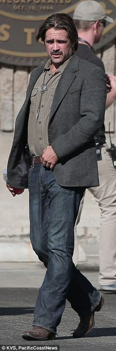 "Colin Farrell in Season 2 of HBO's ""True Detective"". Weight gain? From the side, Colin even appeared to sport a bit of a paunch – perhaps a physical characteristic of detective Velcoro, who has withstood many trials in life."