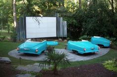 DIY Backyard Movie Theatre - I want this!!  but how about the bed of old pickups instead!!  :D