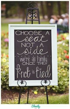 LOVE this... would love to have a sign like this at my wedding one day if i ever get married, so cute!