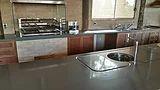 Preço, qualidade e design! Granitos e quartzitos naturais para cozinhas, lareiras, banheiros, escadas, pisos, cubas montadas e móveis!