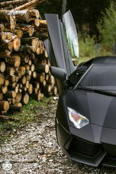 lamborghini-aventador-lambo-black-batman-car-cars-supercars-watchanish-supercar-menswear-style-fashion-blog