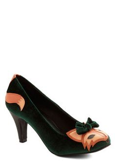 Smooth Statement Heel in Velvet. Well, arent you sly, sneaking the friendly foxes of these velvet heels into your ensemble! #green #modcloth