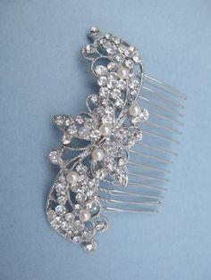 Wedding hair comb pearl bridal hair comb wedding hair accessories bridal headpiece wedding comb bridal hair jewelry wedding accessories  by ChantalEveleen on Etsy https://www.etsy.com/listing/163413078/wedding-hair-comb-pearl-bridal-hair-comb