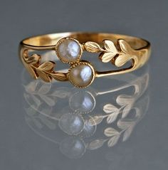 Edwardian Laureate Ring in Gold & Pearl c1905 <3