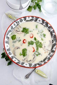 10 Minute Thai Coconut Soup www.bellalimento.com