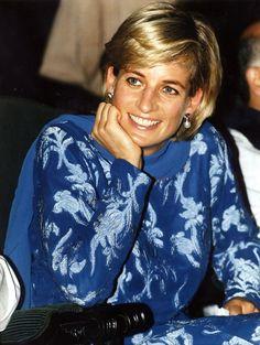 Princess Diana Photos, Princess Diana Family, Royal Princess, Princess Of Wales, Lady Diana Spencer, Princesa Diana, Diana Fashion, Kino Film, Duchess Of Cornwall