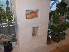 A blog about a man and his making of home and cob/trash house... Astounding. In Lithuanian.