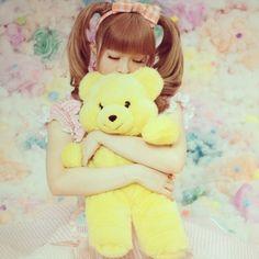 Kyary Pamyu Pamyu yellow fluffy teddy bear