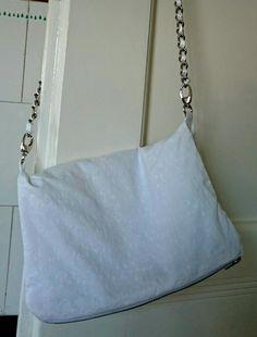 Weiße Handtasche