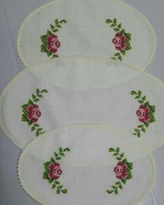 This post was discovered by im Small Cross Stitch, Cross Stitch Bird, Cross Stitch Flowers, Cross Stitch Charts, Cross Stitch Patterns, Hardanger Embroidery, Ribbon Embroidery, Cross Stitch Embroidery, Machine Embroidery