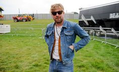 Kaiser Chiefs' Ricky Wilson to be a judge on 'The Voice UK' | News | NME.COM Oh Ricky stop it you sill boy