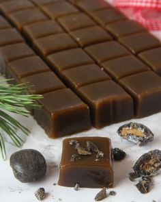 Sötsalt lakritskola Best Dessert Recipes, Candy Recipes, Fun Desserts, Sweet Recipes, Homemade Sweets, Homemade Candies, Bagan, Christmas Baking, Christmas Treats