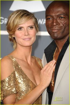 Heidi Klum & Seal: Grammys 2011 Red Carpet Kiss!: Photo #2519428. Heidi Klum plants a big kiss on her husband Seal while walking the red carpet at the 2011 Grammy Awards held at the Staples Center on Sunday (February 13) in Los…