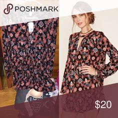 🆕Long Sleeve Paisley flowy dress! NWT Brand new with tags never worn! Long sleeve paisley dress black with orange rust blue pink white paisley keyhole button top flowy fit, I am 5ft tall and it goes right to hitting my knees! Size small 🎉20% off bundles🎉 Forever 21 Dresses