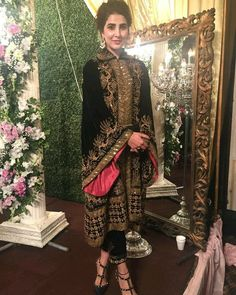 Image may contain: 2 people Velvet Pakistani Dress, Pakistani Formal Dresses, Pakistani Couture, Pakistani Dress Design, Indian Dresses, Indian Suits, Pakistani Fashion Party Wear, Pakistani Wedding Outfits, Indian Fashion